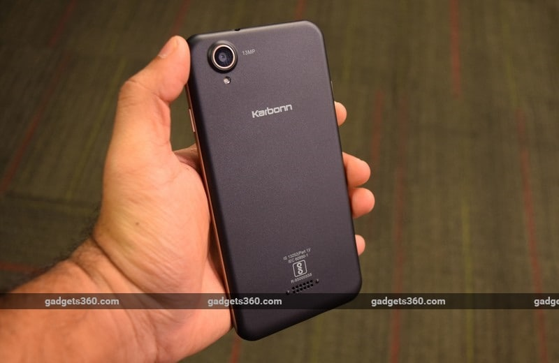 Karbonn Aura Note 2 in Hand NDTV Karbonn Aura Note 2 Review