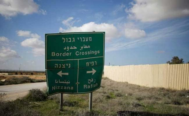 Israel Closes Gaza Border Crossing Damaged By Palestinians