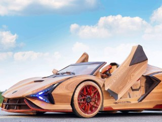 This Father Built a Wooden Electric Lamborghini for His Son. It Looks Original and Runs Just Fine