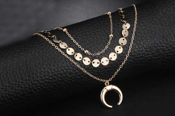 LUOEM Multi-Layer Necklace Moon Pendant Choker Necklace