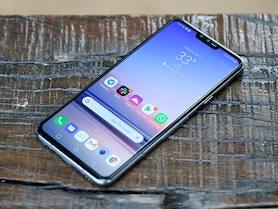 LG V40 ThinQ Price in India, Specifications, Comparison