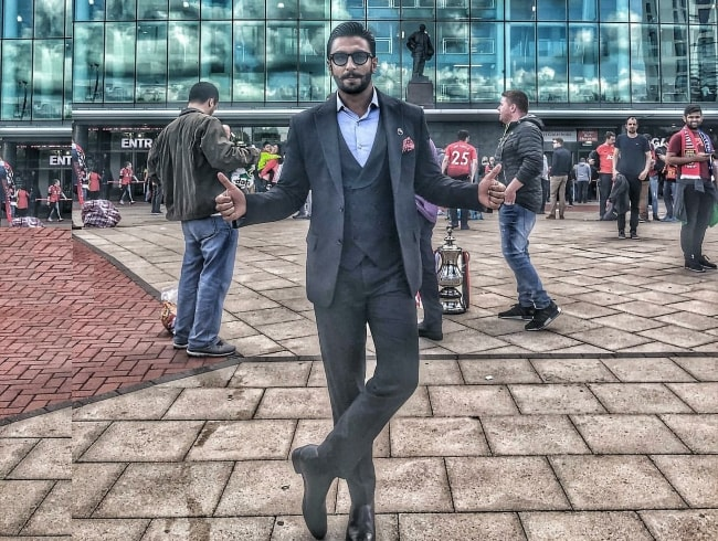 Look Classic In This Ranveer Singh Suit Style 1559286062980