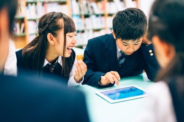 Must Have Cool Gadgets for School Going Gadget Geeks!!
