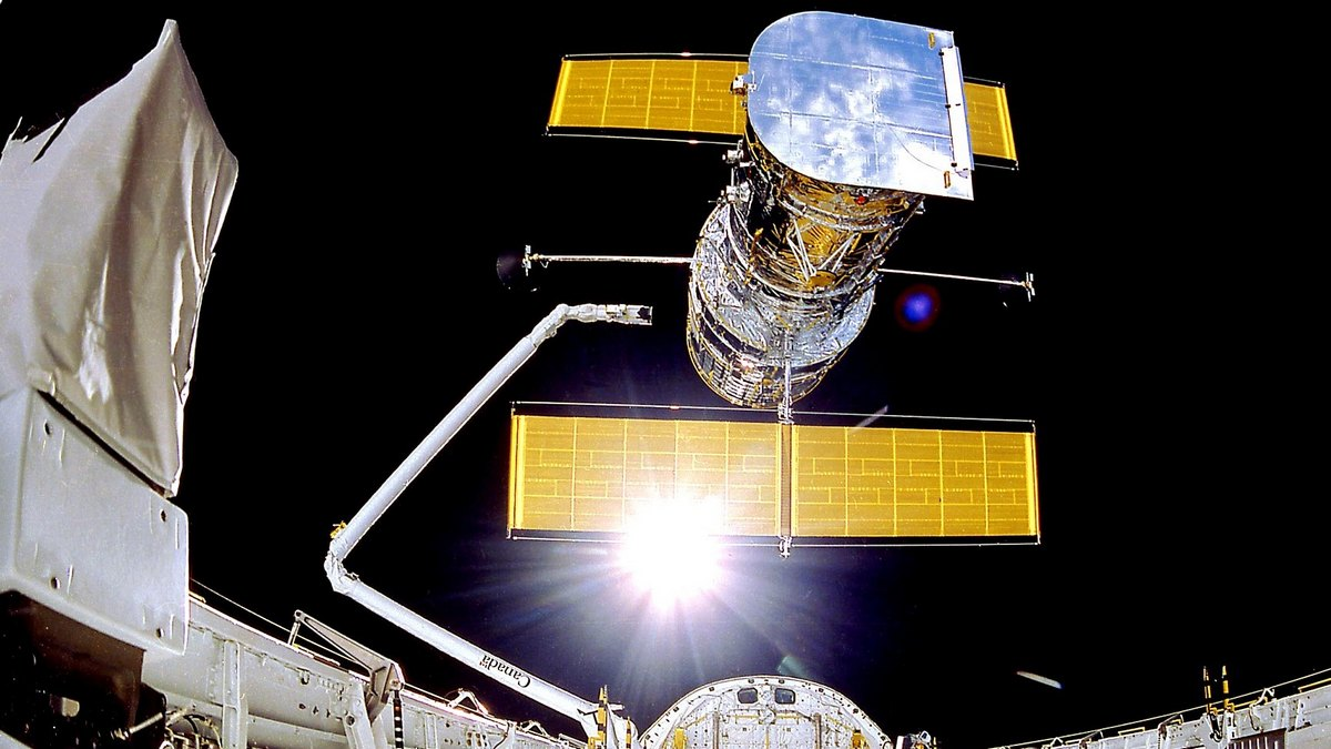 Photo of Hubble Space Telescope Down for Past Few Days, Says NASA