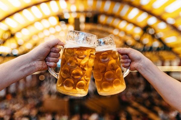 On 7th April, Celebrate National Beer Day, Shop for Beer Glasses Online