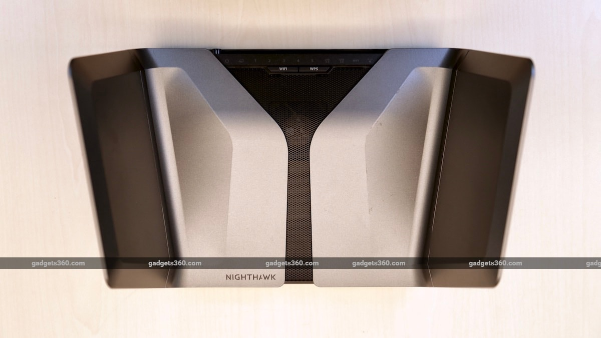 Netgear Nighthawk AX8 AX6000 review top Netgear Nighthawk AX8 AX6000 review