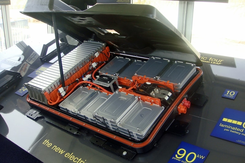 Are Swappable Batteries, Not Charging Stations, the Future of Electric Vehicles?