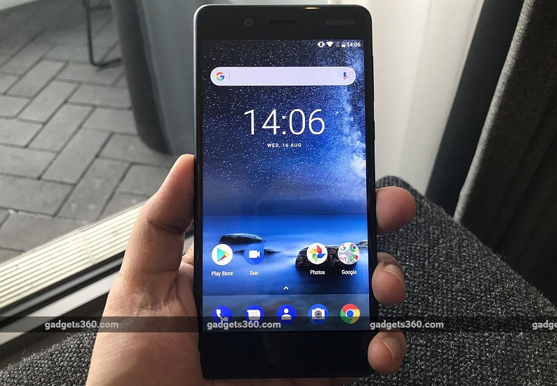 Nokia 8 पहली नज़र में...