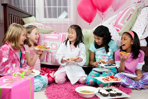 How To Plan A Perfect Pajama Party For Your Kids