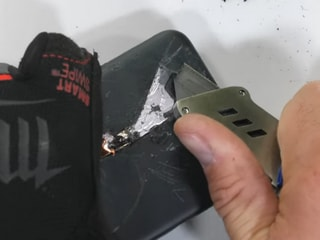 Google Pixel 5 Put Though JerryRigEverything's Durability Test, Reveals Thick Layer of Plastic
