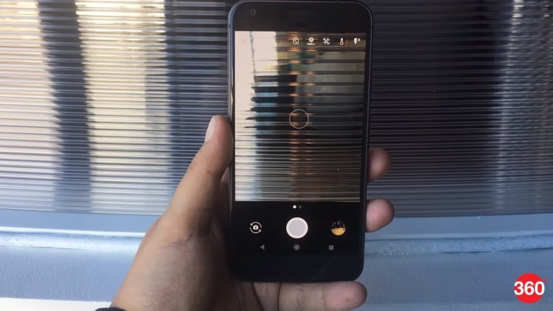 Google Pixel Smartphones Don't Have OIS on Their Cameras, and Google Explains Why