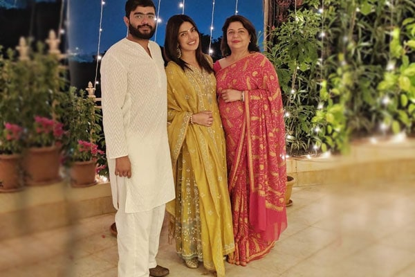 Priyanka Chopra Family 1580121981403