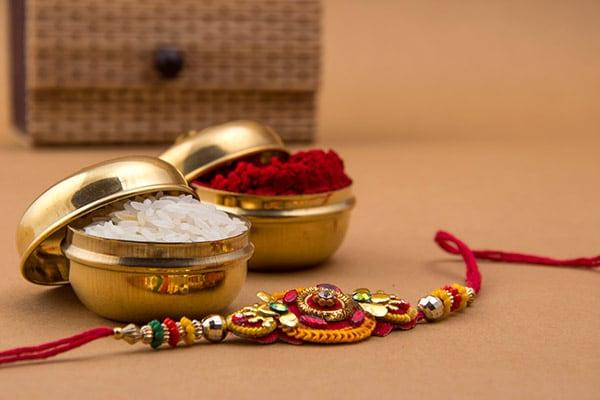 Raksha Bandhan Gifts for Sister 2021 | Online Rakhi Gift Packs