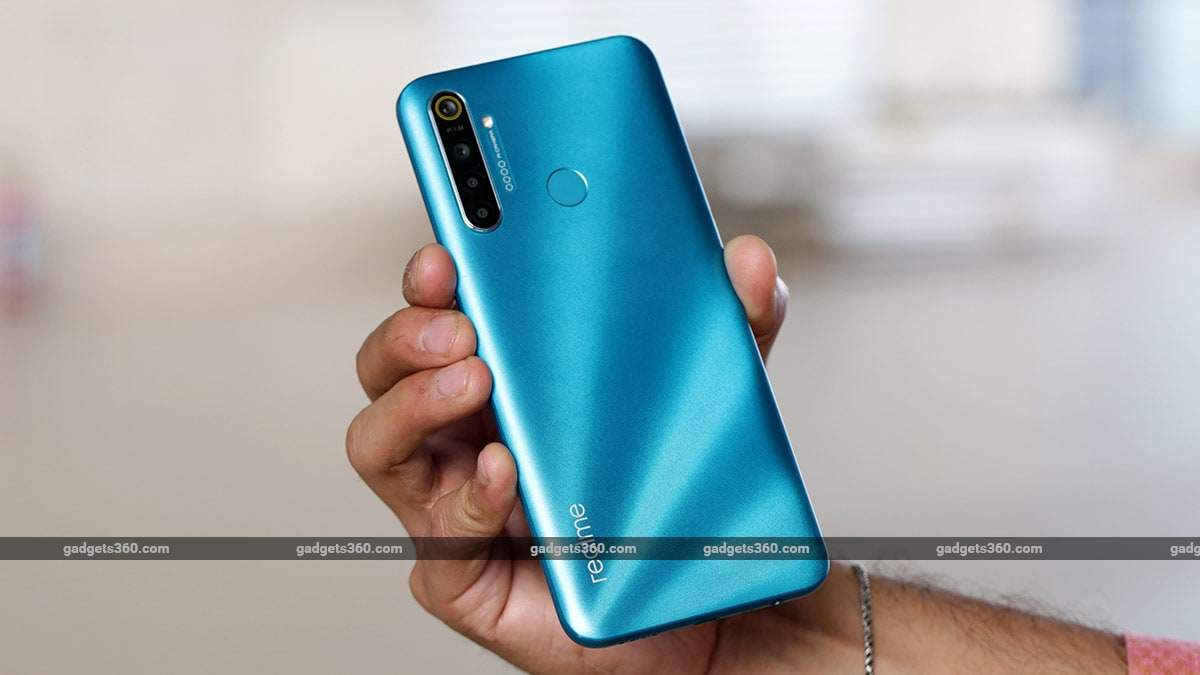 Realme 5i review back cover Realme 5i Review