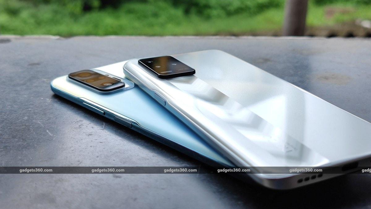Realme Narzo 30 5G vs Xiaomi Redmi Note 10 Pro side buttons ndtv RealmeNarzo305G  Realme  XiaomiRedmiNote10Pro  Xiaomi