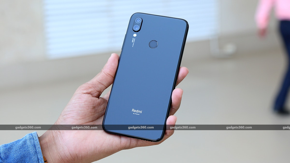 Redmi Note 7S Back handheld Redmi Note 7S Review