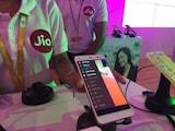 Reliance Jio Free Calls Congesting Network, Telcos Tell Trai
