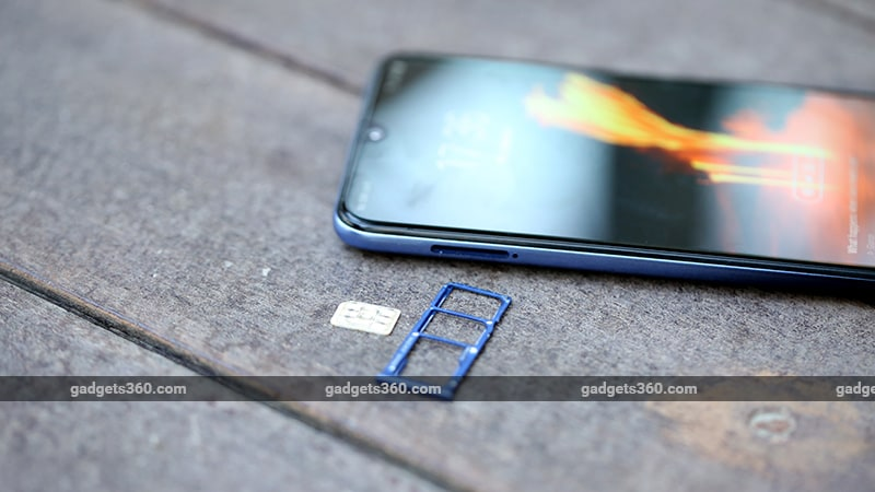 Samsung Galaxy M30 SIM Tray Samsung Galaxy M30 Review