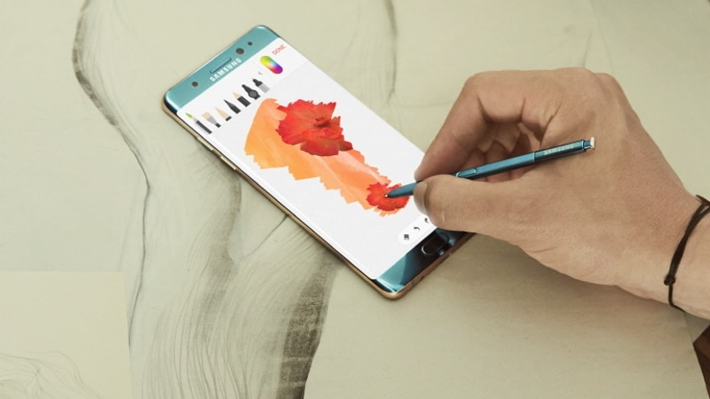 Replacement Samsung Galaxy Note 7 Said to Emit Smoke on US Plane