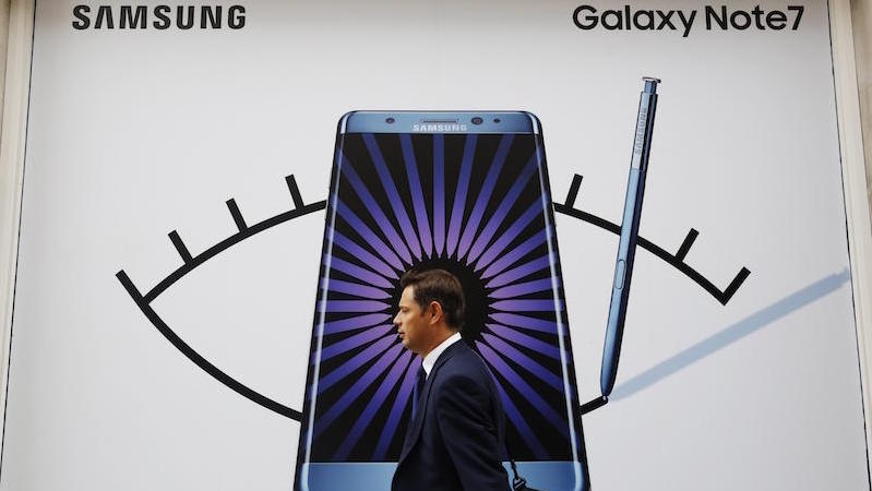 Samsung's Galaxy Note 7 Crisis Is an Opportunity for Apple, Google