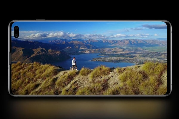 Samsung Galaxy S10 Series Pre Order Starts on Amazon and Flipkart: Samsung Galaxy S10 Series Price in India, Specifications, Offers