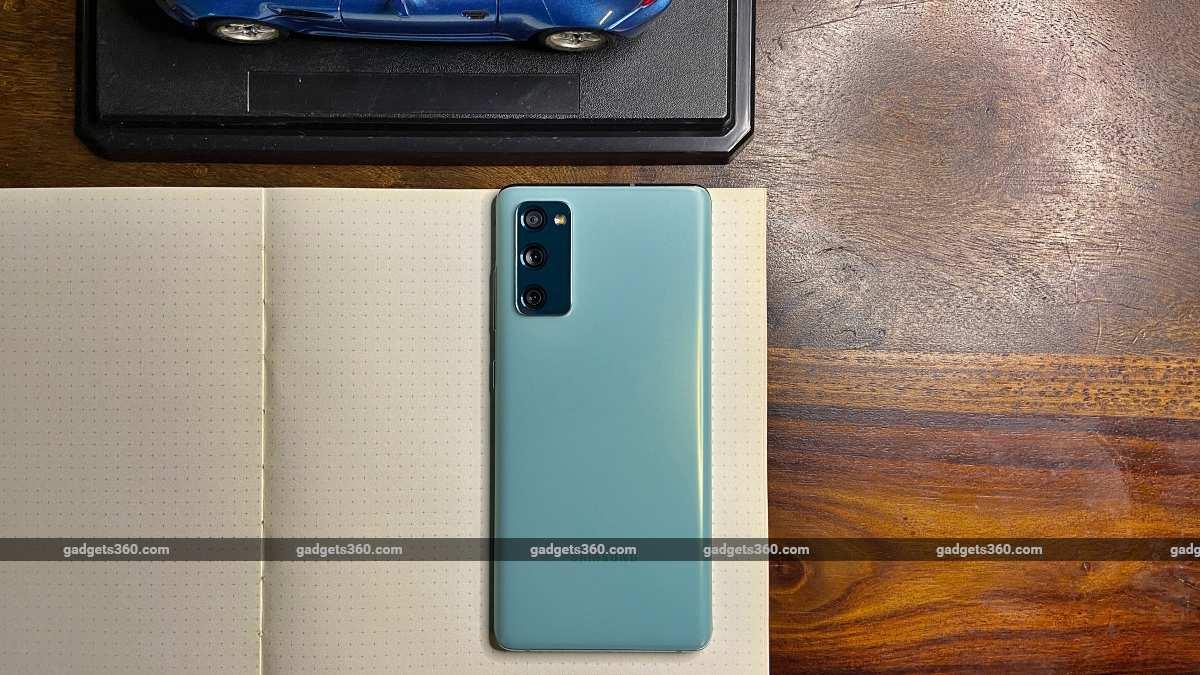 Samsung Galaxy S20FE 5G back car ndtv SamsungGalaxyS20FE5G  Samsung