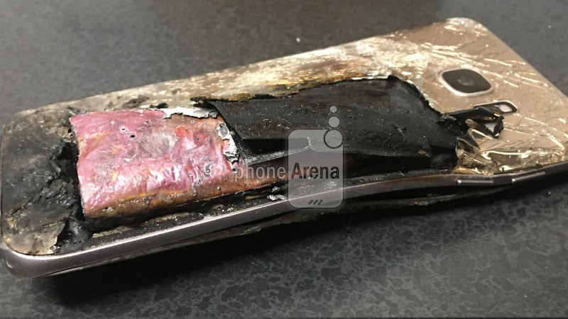 Samsung Galaxy S7 Edge Reportedly Explodes While on Charge