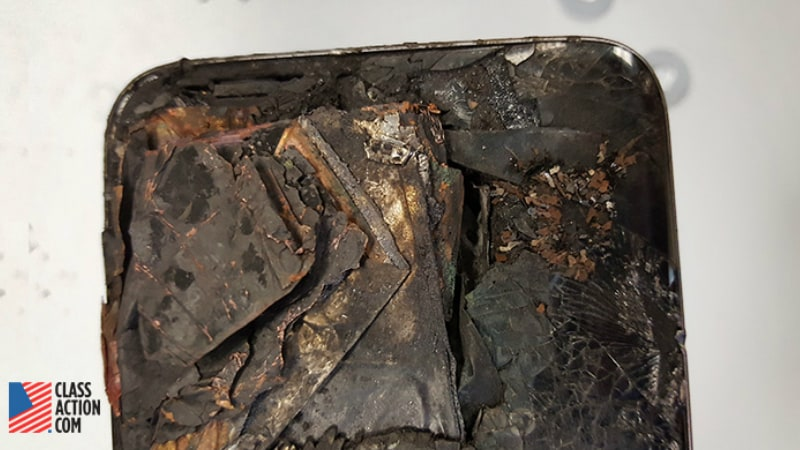 Now, Samsung Reportedly Hit With a Lawsuit About an Exploding Galaxy S7 Edge