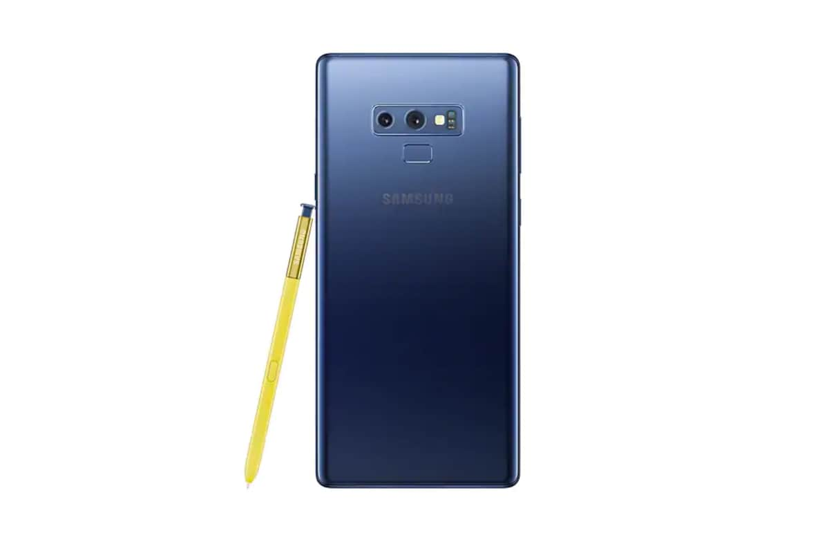 Samsung's Galaxy Note 10 Tipped to Come With Vertical Rear Camera Setup, Hole-Punch Display