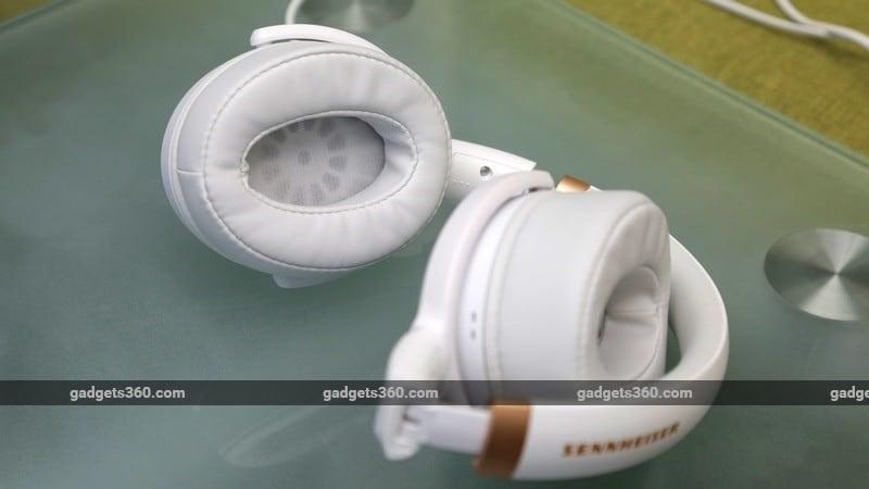 Sennheiser HD 4.30G earcups ndtv Sennheiser HD 4.30G