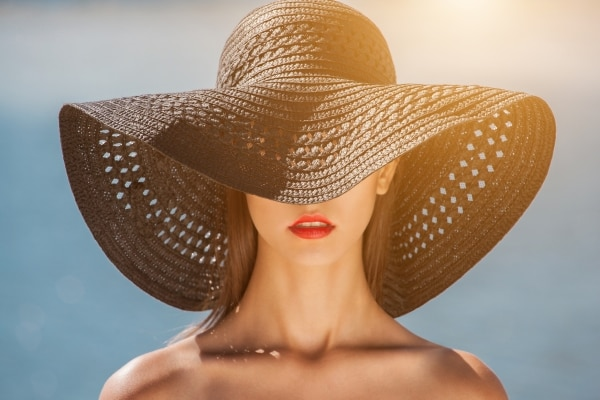 Amazing Sweat-Proof Makeup Essentials to Look Refreshing This Summer