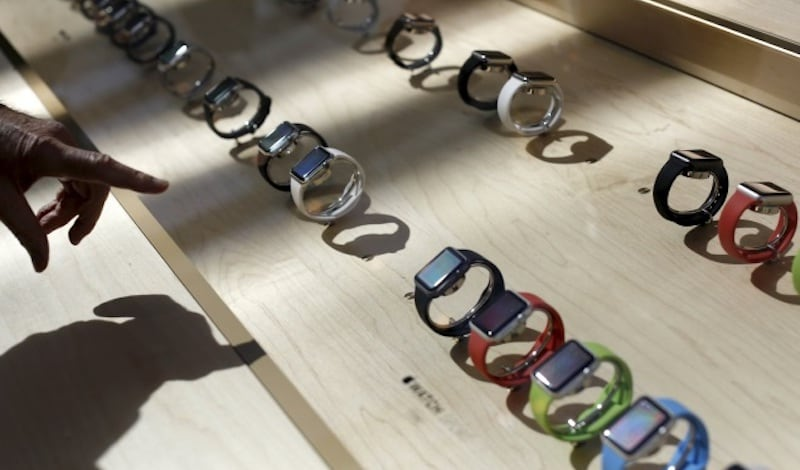 Smartwatch Sales Tumble in Q3 2016, Dragged Down by Apple: IDC