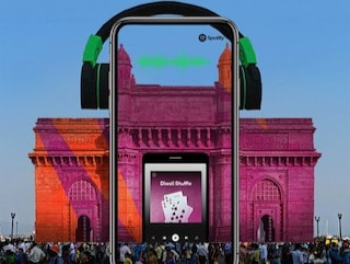 Snapchat, Spotify Team Up to Make Gateway of India Dance This Diwali