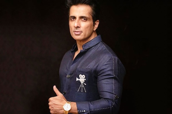 Sonu Sood Emerges as the Real Superstar in Times of Crisis