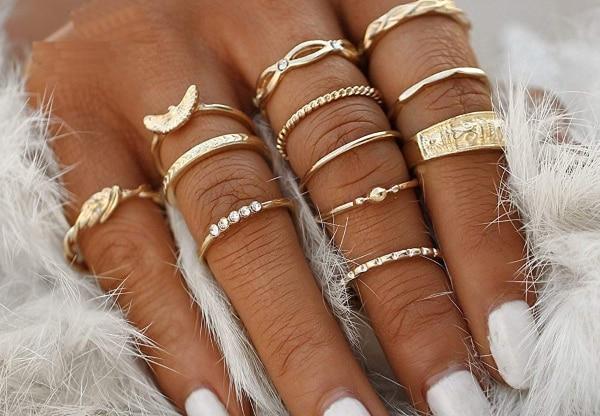 Tara Sutaria Casual Style Minimal Rings 1557488613406