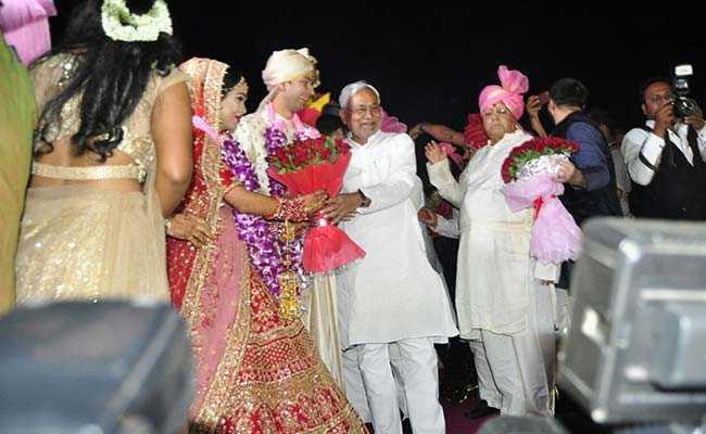 तेजप्रताप यादव और ऐश्वर्या की हुई शादी, नीतीश कुमार ने दिया आशीर्वाद