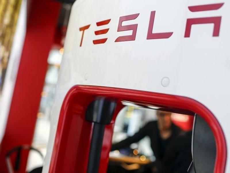 Tesla Says Autopilot System Not to Blame for Dutch Crash