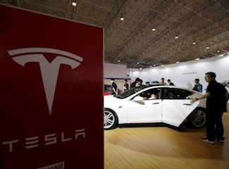 Tesla, Once Beloved by Critics, Plummets in New Consumer Reports Ranking