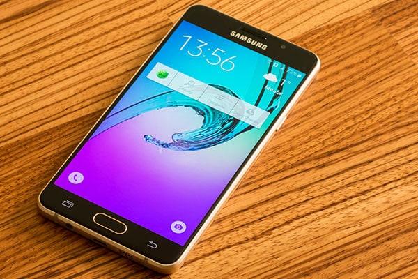 Samsung Mobile Phones Under 5000