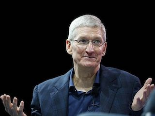 Apple CEO Tim Cook Continues Japan Expedition With Shinzo Abe Meeting