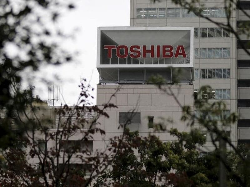 Apple, Chinese Smartphone Makers Help Toshiba Return to Profit in Q2