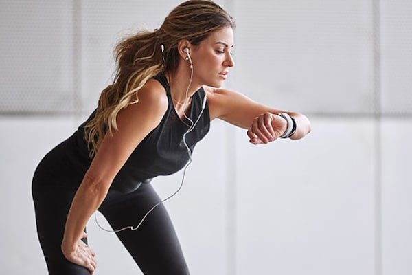 Stay Fit with These Best-selling Fitness Trackers!