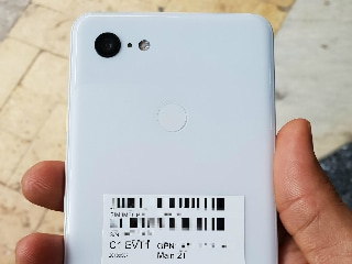 Google Pixel 3 XL Spotted in the Wild, Specifications Tipped on AnTuTu, Retail Box Components Leaked