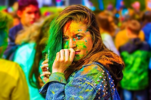 Holi 2018: Protect Your Skin and Hair from Harmful Colors with These Useful Tips