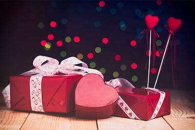 Valentine Gift Ideas Best Valentine S Day Gifts For Him Her In India 2020 Hotdeals360