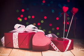 Valentine Day Gift Ideas: Pick Best Valentine Day Gifts for Him & Her