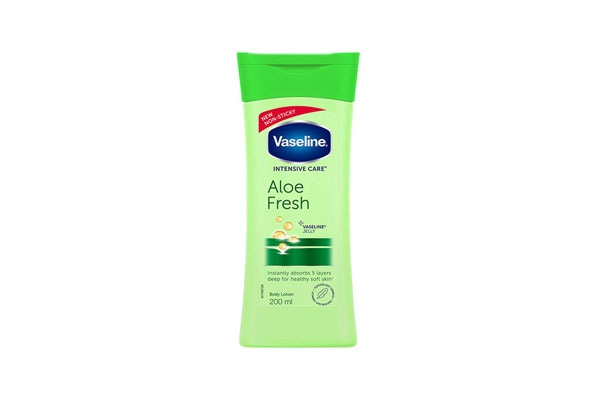 Vaseline Intensive Care Aloe Fresh Body Lotion 1557393570938
