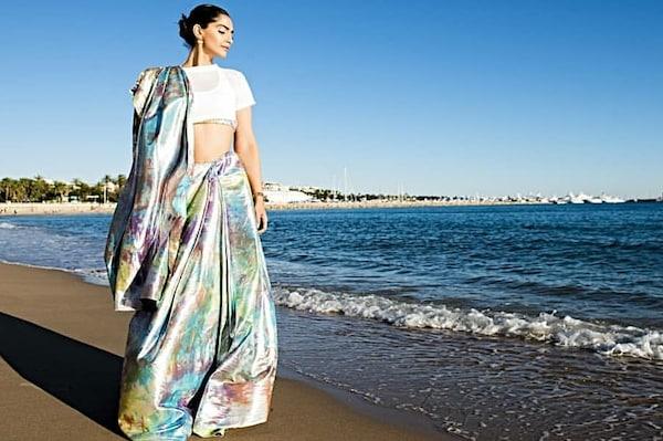 10 Crop Tops to Wear as Sari Blouses