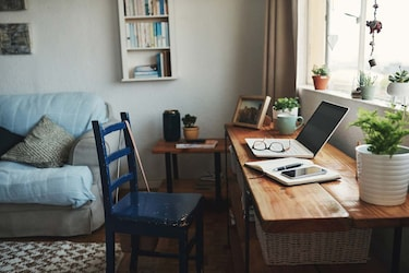 Essential Tips on How to Productively Work From Home