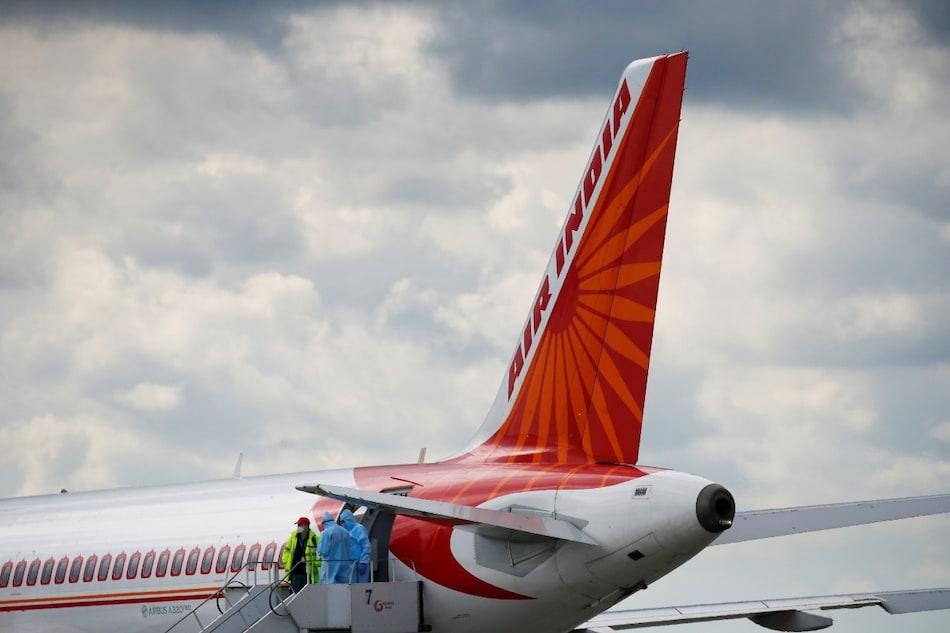 Air India के 45 लाख यात्रियों का डेटा लीक, क्रेडिट कार्ड की जानकारी भी हुई सार्वजनिक